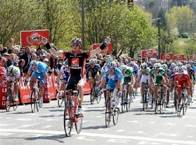 Valverde gana la Paris-Camembert